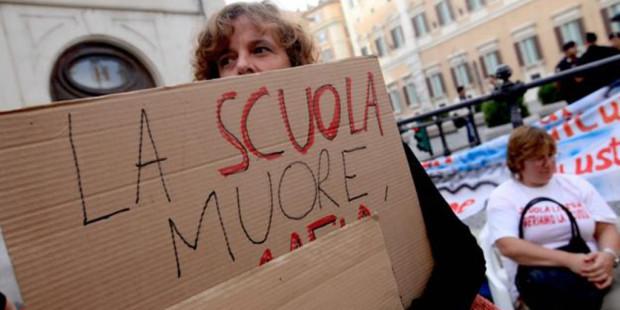 Scuola, solidarietà a maestre
